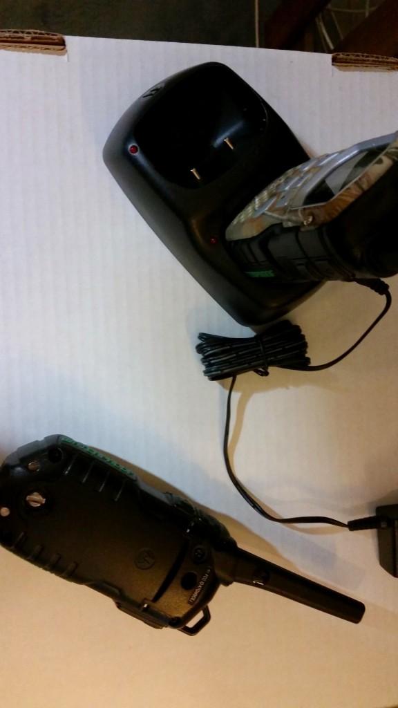 Motorola Talkabout MS355R Walkie Waterproof Pair Set 35 Mile Two Way Radio Camo with Back view