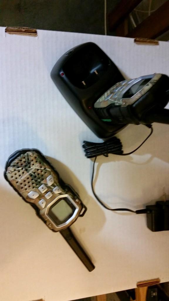 Motorola Talkabout MS355R Walkie Waterproof Pair Set 35 Mile Two Way Radio Camo with Base