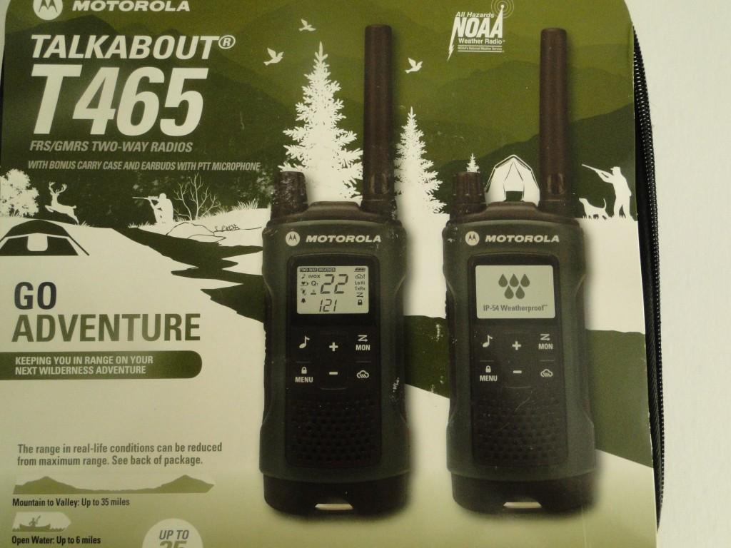 Motorola Talkabout T465 Walkie Talkie 4 Pack 35 Mile Two Way Radio With Free Survival Emergency Kit