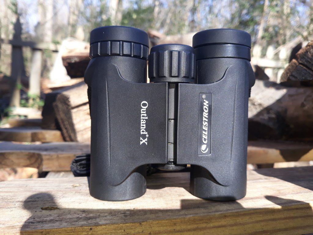 Celestron – Outland X 10x25 Binoculars