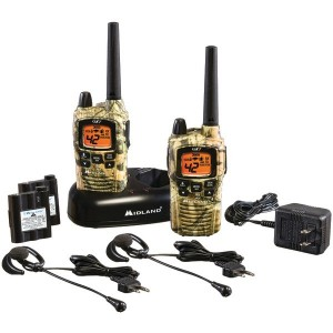 MIDLAND GXT895VP4 36-Mile Camo GMRS Radio Pair Pack with Drop-in Charger