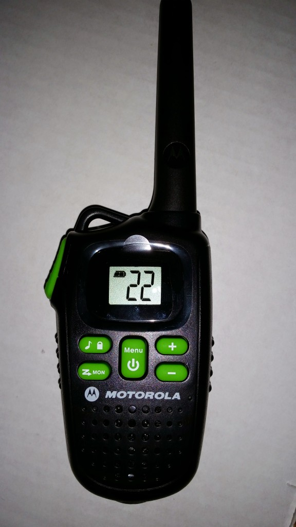 MOTOROLA MD200TPR 20-Mile Talkabout® 2-Way Radio Triple Pack