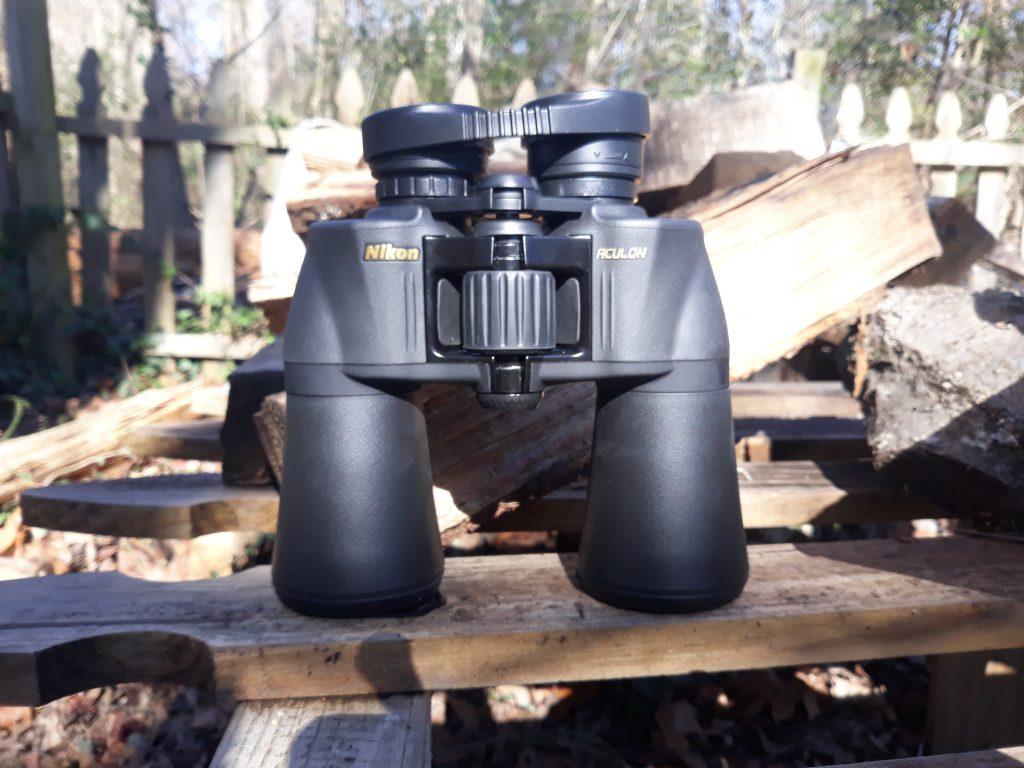 Nikon Aculon A211 10x50 binocular